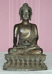 Tibetan Buddha fine patina - beautiful detail - Bronze (11 in. tall) - early 20th C